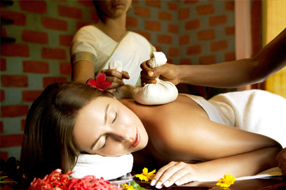 A herbal massage therapy to get relief from pain | Kairali-The Ayurvedic Healing Village
